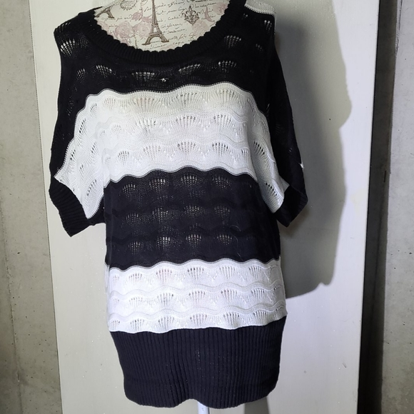 Cato   Woman black and white sweater